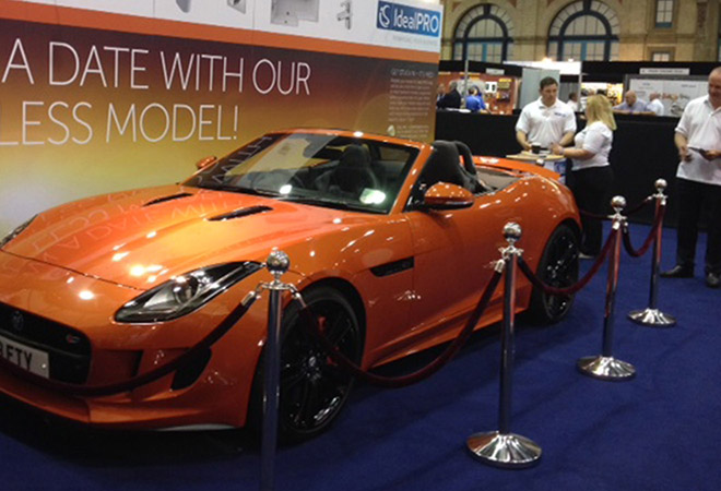 Rope Post Hire Barrier For Exhibitions Barrier Hire London - Car show display barriers